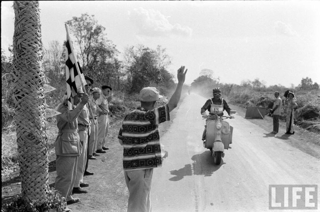 Giai-dua-vespa-Scooter-Rally-Saigon-Buonmethuot-1957