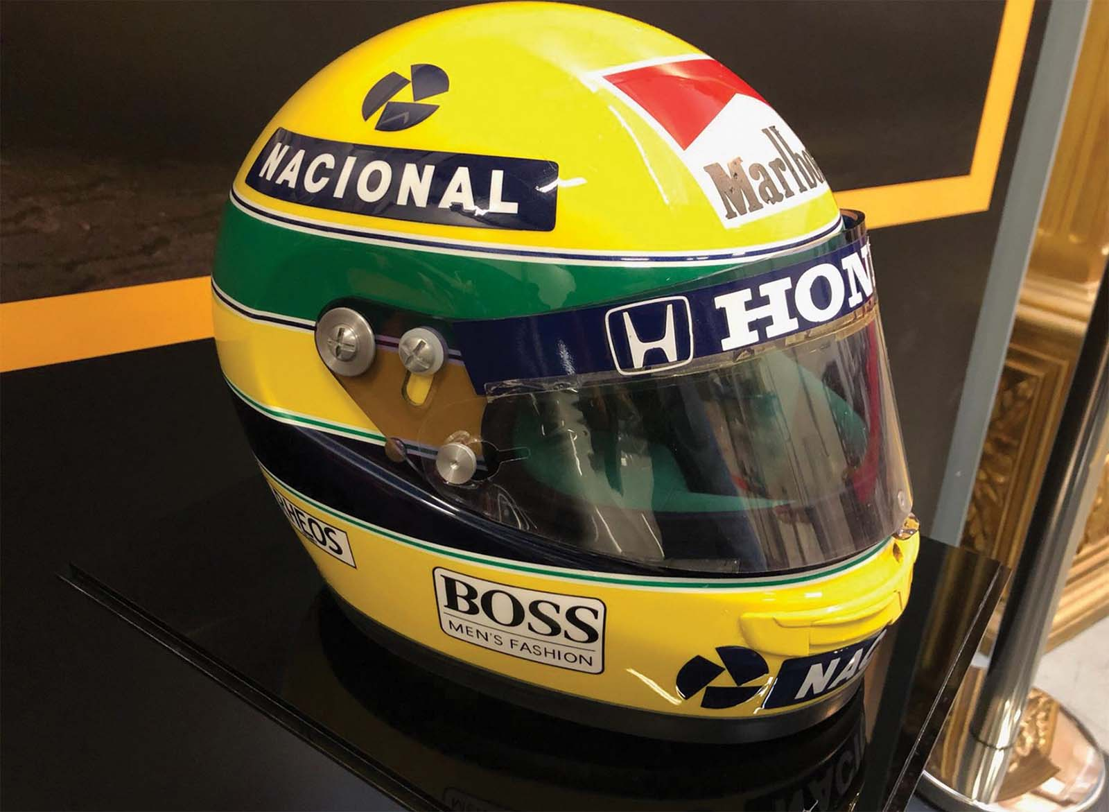 Non-bao-hiem-Ayrton-Senna-McLaren