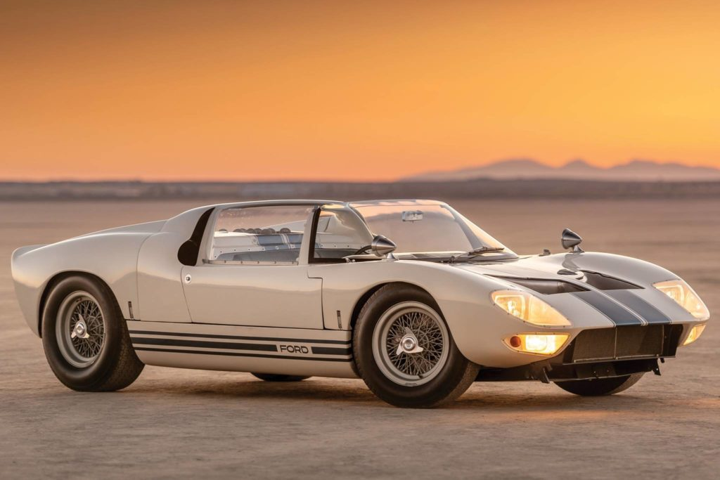 Ford_GT40_Roadster_Prototype_1965